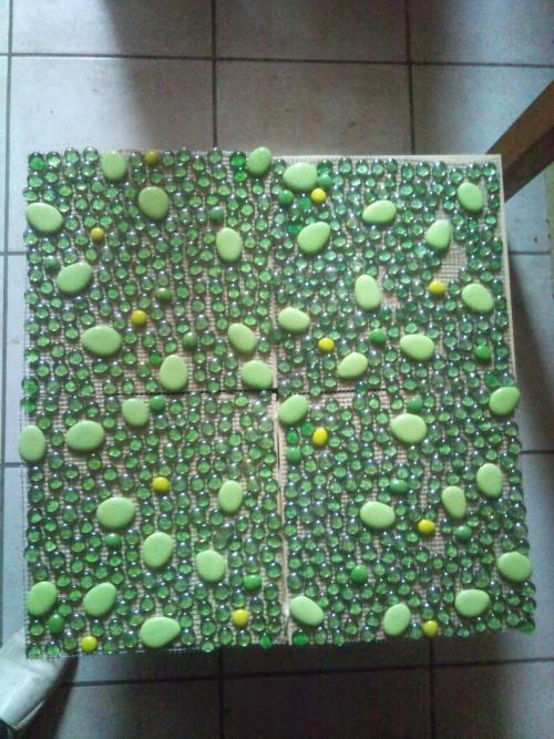 Confection carrelage mosaïque en pierres de décoration