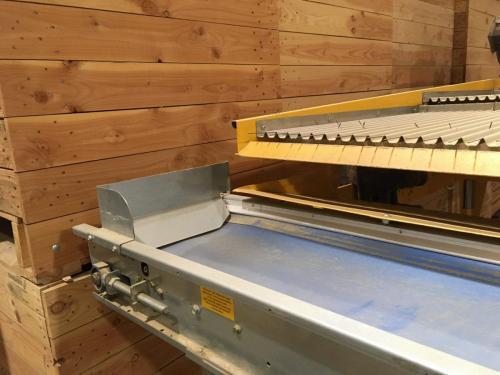 Modification découpage meulage tôle de renfort et anti-chute légume sur machine de trie haricot